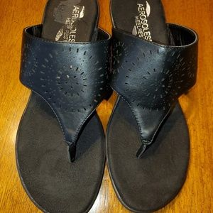 Aerosoles Heelrest Size 8-1/2W black sandals.